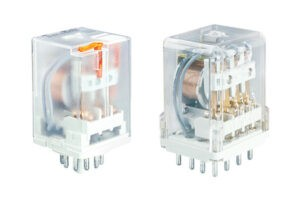 Промышленное малогабаритное реле типа R15 - токовые исполнения
